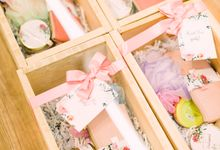 Bridesmaid Box by Petite Pretty Hampers