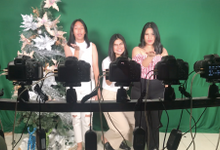 Christmas Dinner Photo Booth by Reivax Pictures
