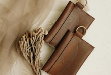 Daniel & Eunike Card Holder with chain by Yuo And Leather