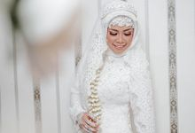 The Wedding Of dr. Elza & dr. Fuad by Shindoro Photography