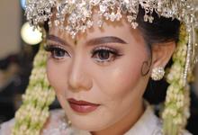 Sunda Siger Bride by Shine Bridal & Photography
