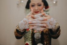 White henna for traditional javanese wedding by Nirvana Henna by Shinta