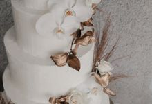 orchid and pampas by KAIA Cakes & Co.