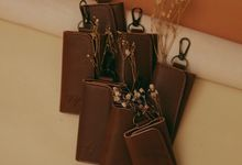 Victor And Yolanda Wedding Gift by Yuo And Leather