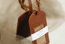 Luigi Lillian Luggage Tag & Card Holder by Yuo And Leather