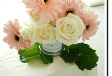 GRANDE BLANC by Floral Story Int