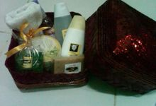 Spa Gift Basket by MySouvenir by Dhara