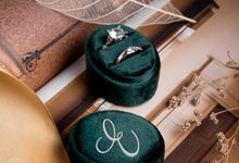 Velvet Ring Box (Oval) with monogram by Box Of Love