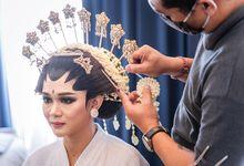 Jawa Modern Wedding Luminor Hotel Sidoarjo by Levios Planner