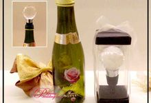 Wine & Bottle Stopper by Princess Wedding4u