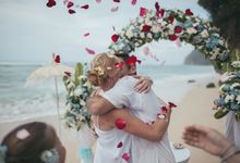 Surf & Weddings by Chilli Pictures