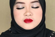 Makeup for bridesmaid  by Sweetie bridal