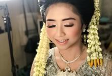 Sundanese Bride Mrs Tya  by Sweetie bridal