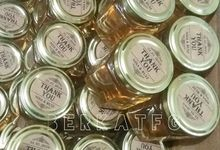 Honey in a hexagon jar by BerkatFG