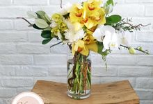 Table Floral Arrangement by Vanilla House Creations