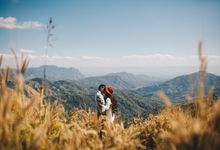 Up to the Hill Prewedding session by Kanvela