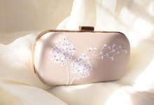 Jocelyn Bridesmaid Clutch by The Curvakum Label