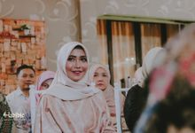 The Engagement of Fitriani & Arizal by Habibie Photography