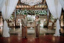 Perpaduan Adat Sunda dan Jawa dalam Pernikahan Intimate Dua Dokter by theSerenade Organizer