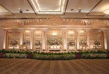 Pernikahan Adat Lampung dengan sentuhan tema warna bunga pastel by theSerenade Organizer