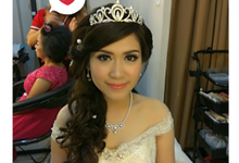 Tks To Risca by thu six bridal & photography
