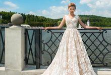 Modern A-line silhouette Pina wedding dress by DevotionDresses