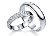 Tiaria King & Queen Wedding Ring by TIARIA