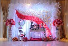 Happy Wedding Sutanto & Leonita by GLORIOSA FLOWER DESIGN