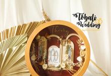 MAHAR ROUND DESAIN BACKDROP FRAME CHOCO BROWN by Tobaliwedding