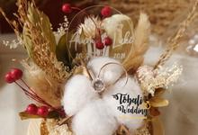GLASSDOME IN RINGBOX DRIED PRESEVED by Tobaliwedding