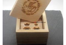 Custom wooden box by Toko Emas Kesayangan