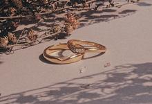 Rustic Urban Wedding Ring by Toko Emas Kesayangan