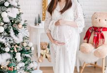 Maternity Boudoir - Christmas Edition by Bells & Birds