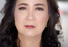 Mature women makeup 2 by Troy Makeup Artist