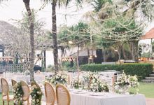 Simple, elegant Bali villa wedding by TRYNH Photo