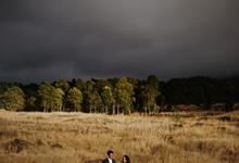 Agus & Christine prewedding by twobeone.pic