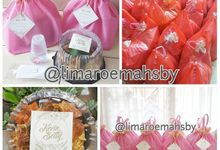 Packaging And Meals For Holy Matrimony by Lima Roemah Sby