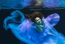Underwater conceptual engagement shoot by DTPictures