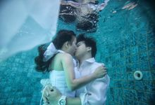 Underwater Devin and Yong2 by ritual photography