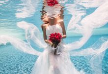 Pre Wedding & Honeymoon Underwater Photography by Alila Manggis