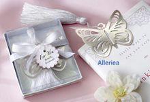 book mark by Alleriea Wedding Gifts