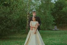 Wedding of  Mr & Mrs Hoefner by By Distra