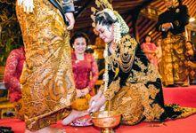 UPACARA ADAT by Rumah Rias Itut Bambang