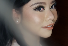 Engagement Makeup by valentinemakeupart