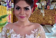 wardrobe traditional Bali by RaiNi Salon