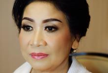 Make Up for Mom by Vinanathalia_mua