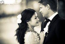 Beach Wedding Bali by JimieWu Photography