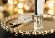 CUSTOM CRYSTAL USB - Wedding Souvenir by PORTÉ by Clarin