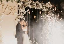 Bella & Yudi Wedding at Klub Kelapa Gading by AKSA Creative