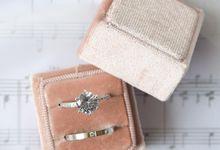 Basic Wedding Ring Box by L'AMORE